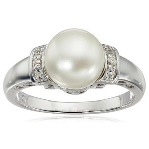 Freshwater Cultured White Pearl Ring 💍